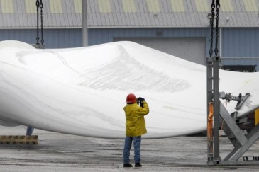 Recycling old wind turbine blades could be the next business opportunity